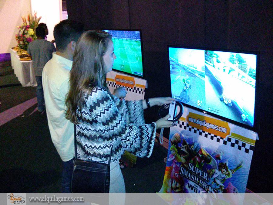 Videojuegos en la Fiesta Fin de año Latina TV 2014 - Mario Kart 8 Nintendo Wii U