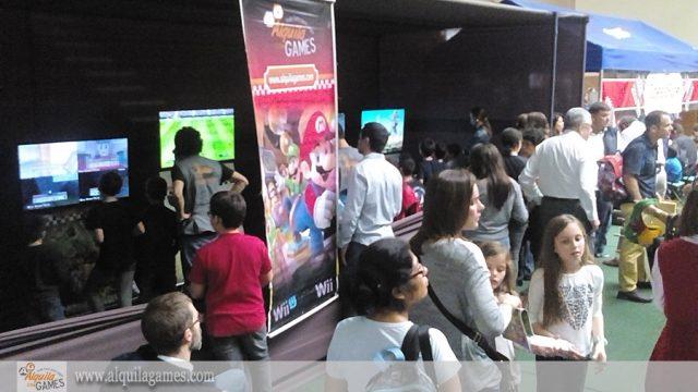 Videojuegos en Kermesse colegio Inmaculado Corazon de Miraflores