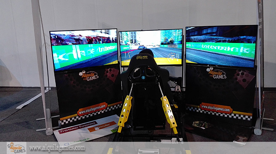 Simulador de Autos PRO 4D en el Salon del Automovil INTERBANK